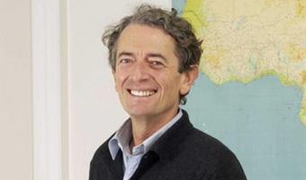 Conférence du journaliste Antoine Glaser organisée par La Chaîne de l'Espoir